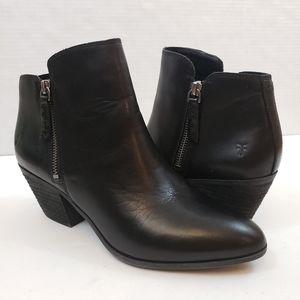 NEW Frye Judith Zip Heeled Booties Black Leather